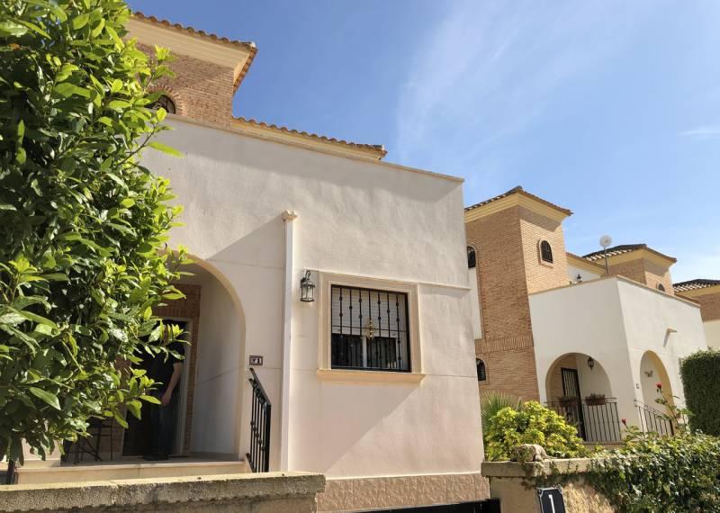 For sale: 3 bedroom house / villa in El Raso