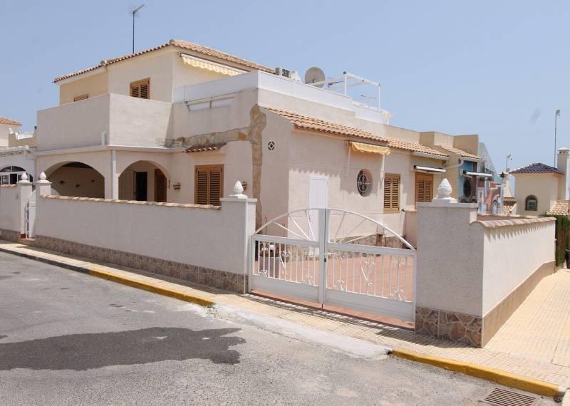 For sale: 3 bedroom house / villa in Playa Flamenca, Costa Blanca