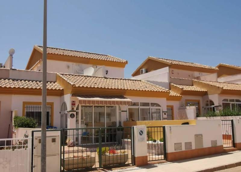 For sale: 3 bedroom house / villa in Los Nietos