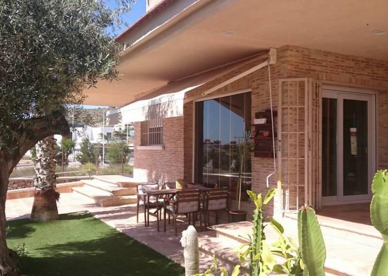 For sale: 4 bedroom house / villa in Molina de Segura
