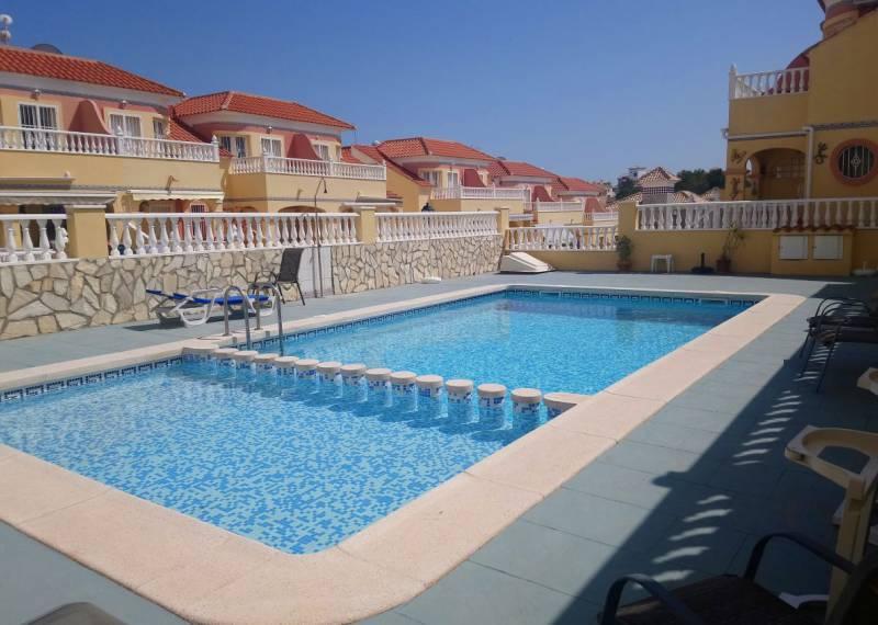 For sale: 3 bedroom house / villa in Villamartin