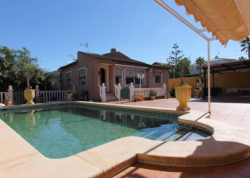 For sale: 5 bedroom house / villa in Los Balcones