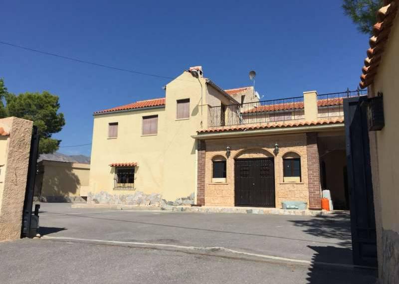 For sale: 9 bedroom house / villa in Crevillente