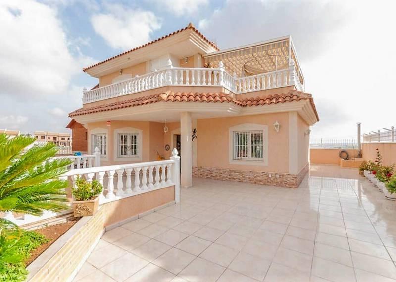 For sale: 6 bedroom house / villa in Torrevieja