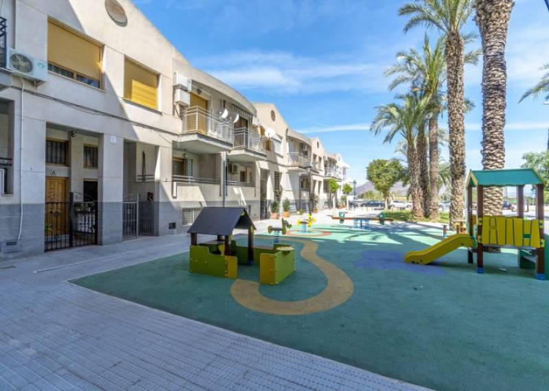 For sale: House / Villa in Bigastro