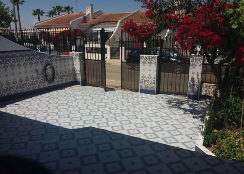 For sale: 2 bedroom bungalow in Los Alcázares