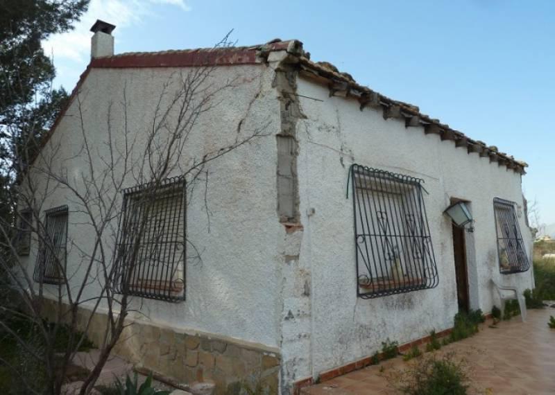 For sale: 3 bedroom finca in Benferri