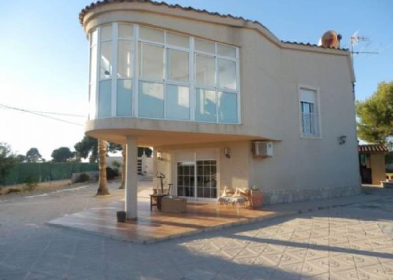 For sale: 5 bedroom house / villa in Valverde