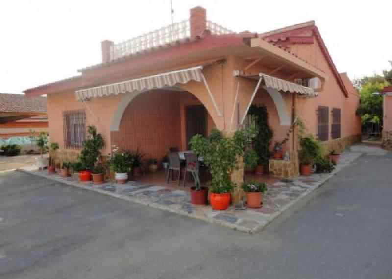 For sale: 4 bedroom finca in Elche, Costa Blanca