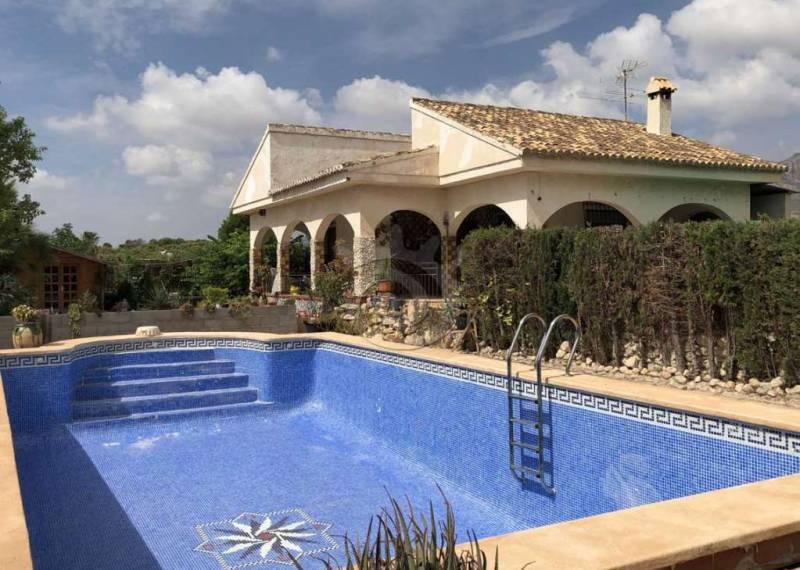 For sale: 3 bedroom finca in Albatera