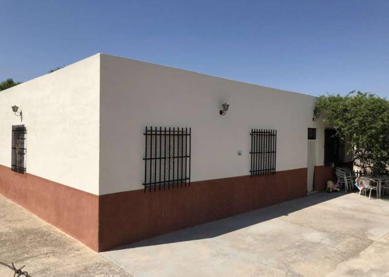 For sale: 5 bedroom finca in Albatera
