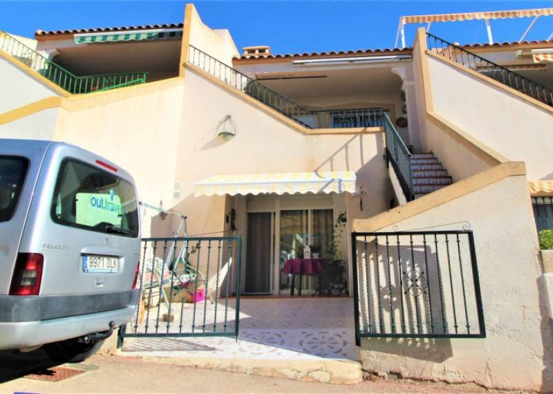 For sale: 3 bedroom apartment / flat in Villamartin