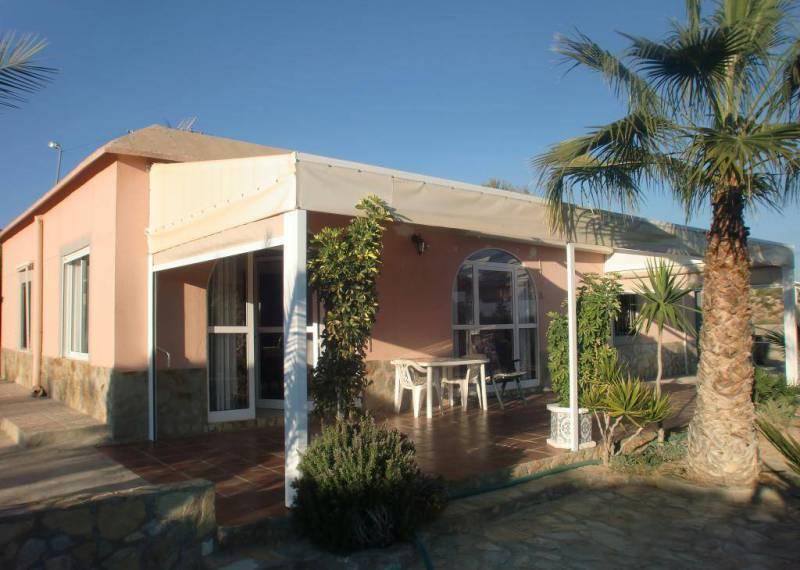 For sale: 2 bedroom finca in Albatera
