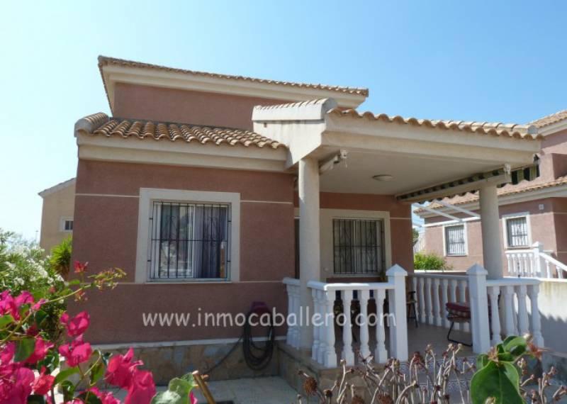For sale: 2 bedroom house / villa in Pinar De Campoverde