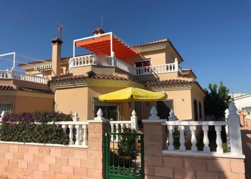 For sale: 3 bedroom house / villa in Almoradí