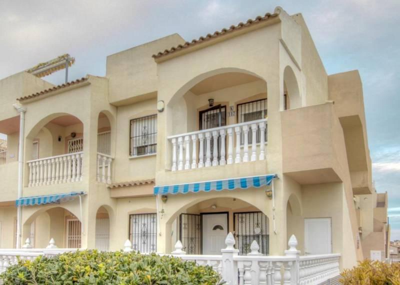 For sale: 2 bedroom bungalow in La Florida