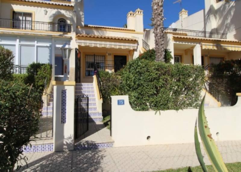 For sale: 2 bedroom house / villa in Orihuela Costa