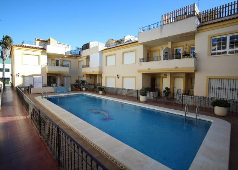 For sale: 2 bedroom apartment / flat in Daya Nueva