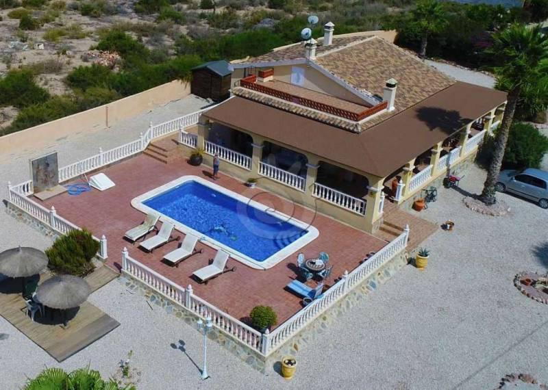 For sale: 3 bedroom house / villa in Crevillente