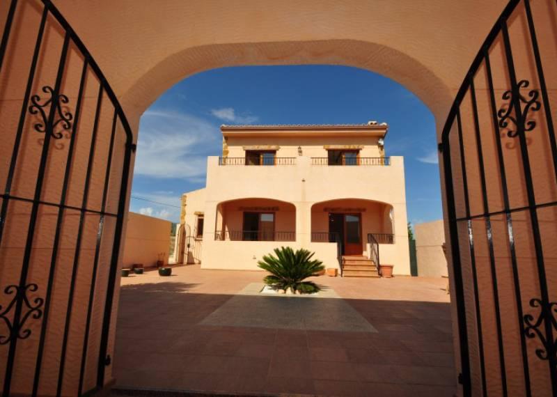 For sale: 3 bedroom apartment / flat in Elda, Costa Blanca