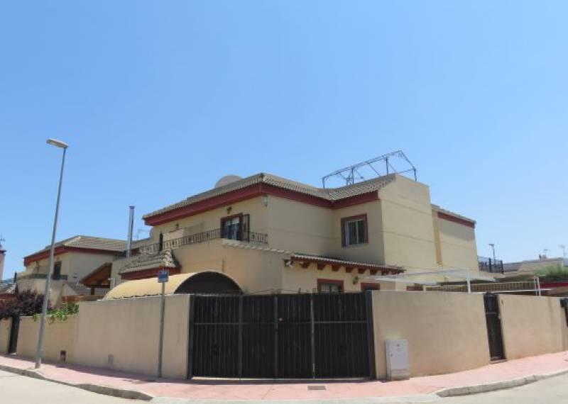 For sale: 4 bedroom house / villa in Daya Nueva