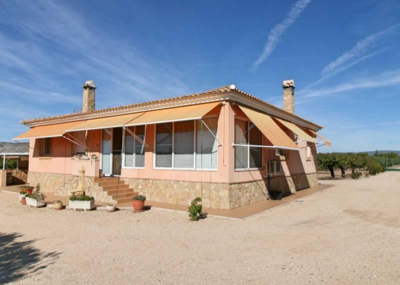 For sale: 5 bedroom house / villa in Petrer, Costa Blanca