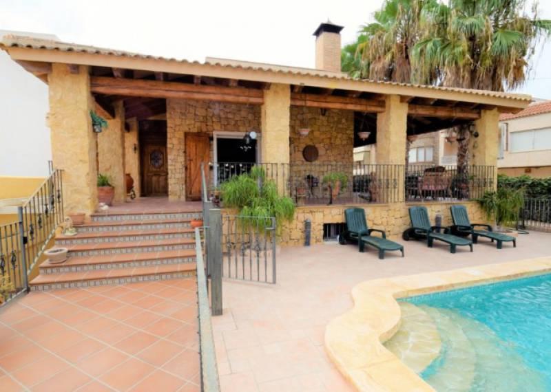 For sale: 5 bedroom house / villa in Formentera Del Segura, Costa Blanca