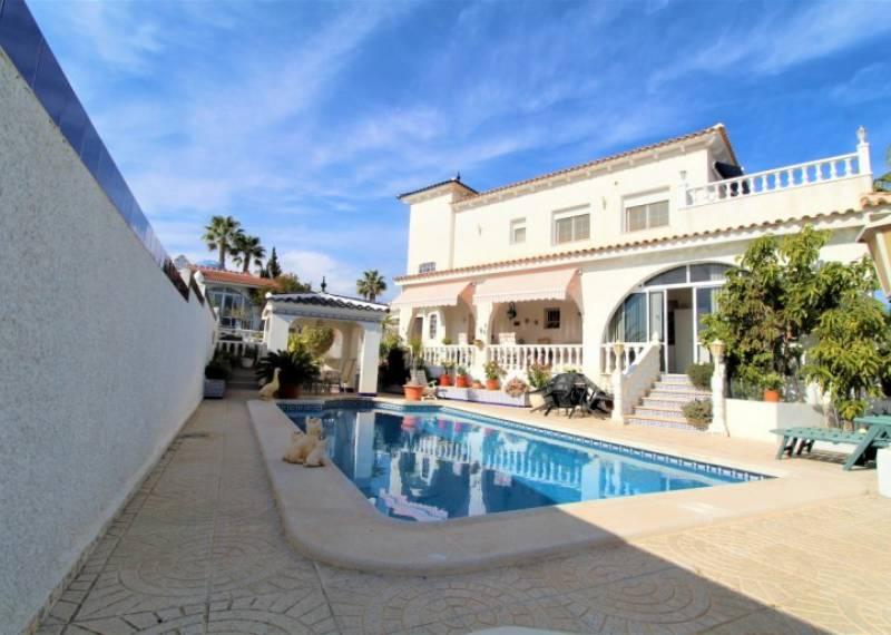 For sale: 6 bedroom house / villa in Villamartin