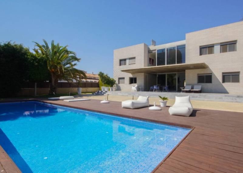 For sale: 4 bedroom house / villa in Dehesa de Campoamor