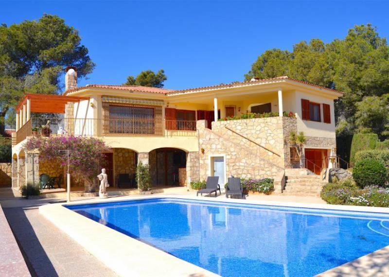 For sale: 4 bedroom house / villa in La Nucía