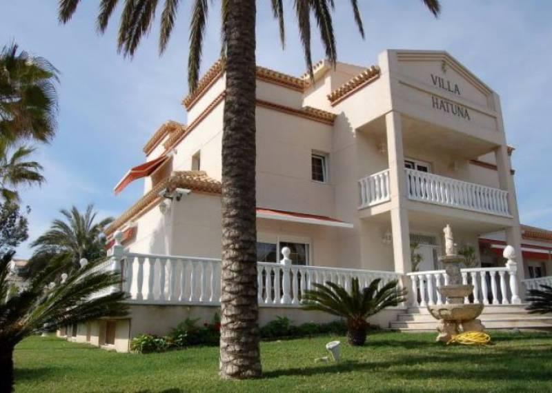 For sale: 6 bedroom house / villa in Playa Flamenca