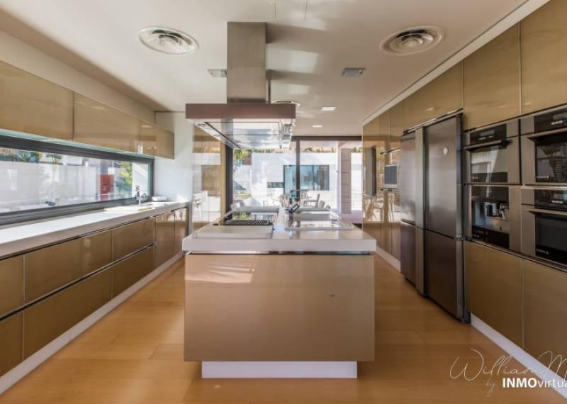 For sale: 4 bedroom house / villa in Murcia City