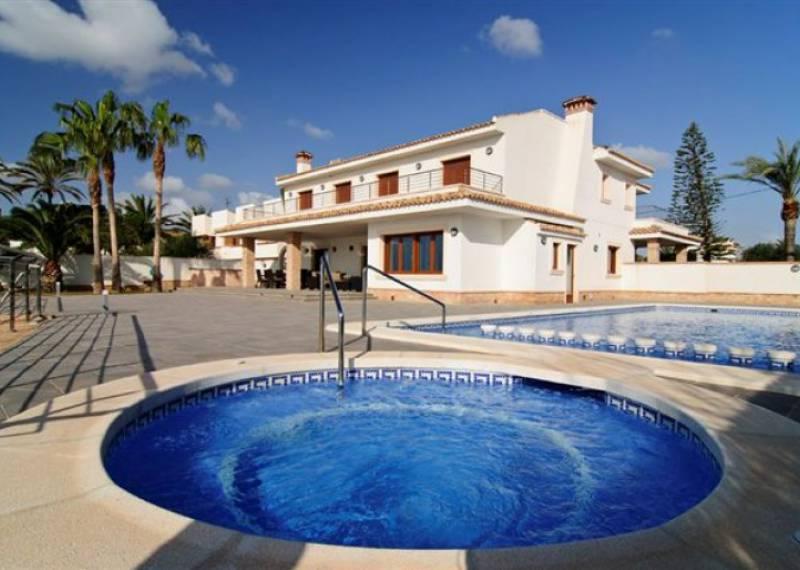 For sale: 6 bedroom house / villa in Alicante City, Costa Blanca