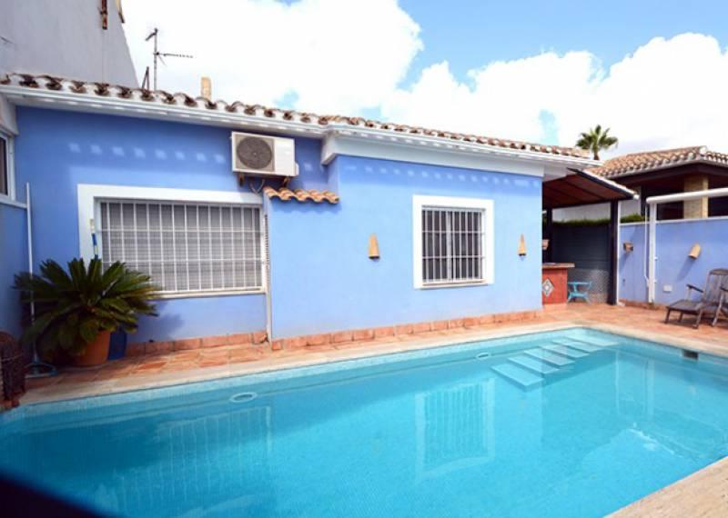 For sale: 4 bedroom house / villa in Alicante City