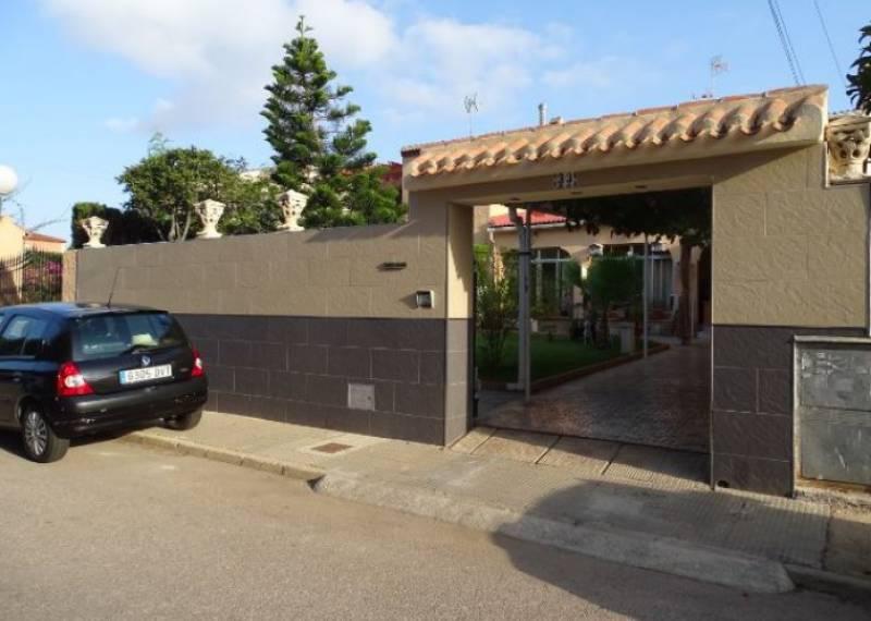 For sale: 5 bedroom house / villa in Torrevieja