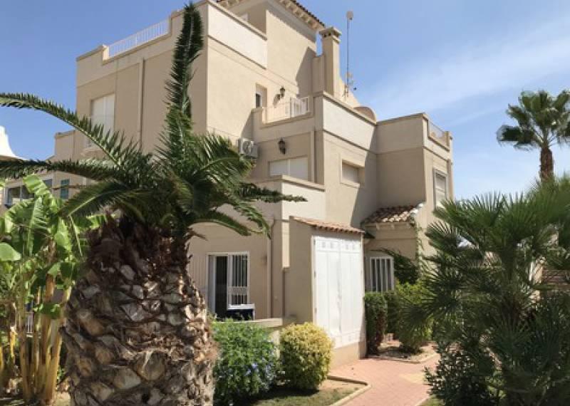 For sale: 2 bedroom apartment / flat in Villamartin