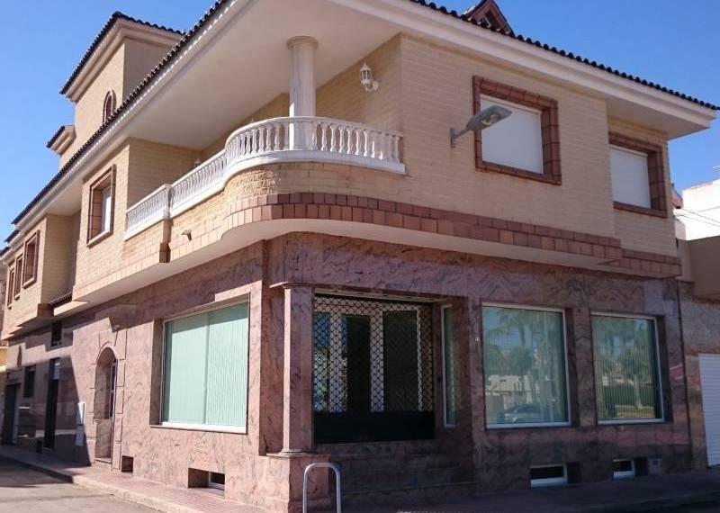 For sale: 4 bedroom house / villa in Los Alcázares, Costa Calida