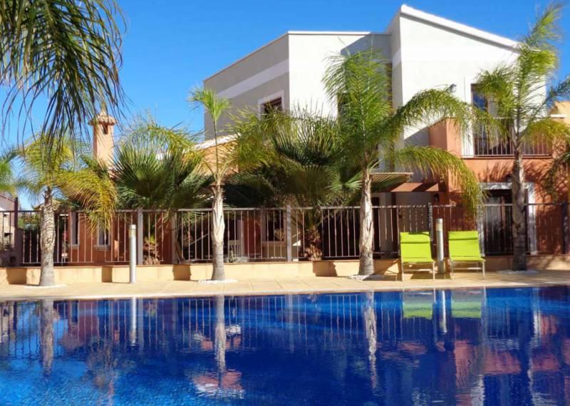 For sale: 3 bedroom house / villa in Mosa Trajectum