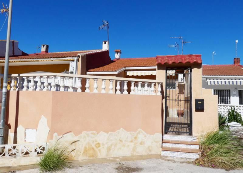For sale: 1 bedroom bungalow in Torrevieja, Costa Blanca