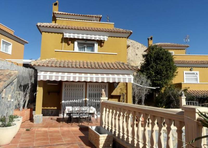 For sale: 3 bedroom finca in Aspe