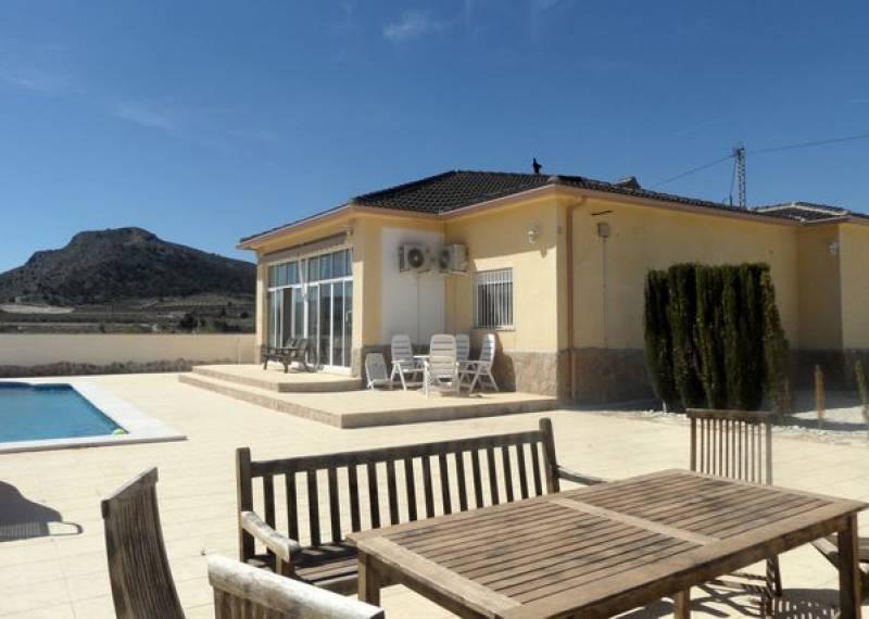For sale: 4 bedroom finca in La Romana, Costa Blanca