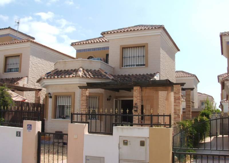 For sale: 2 bedroom house / villa in Guardamar del Segura, Costa Blanca