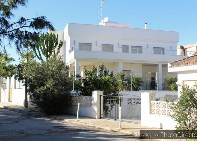For sale: 5 bedroom house / villa in La Zenia, Costa Blanca