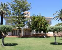 For sale: 8 bedroom house / villa