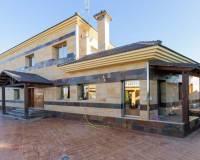 For sale: 7 bedroom house / villa