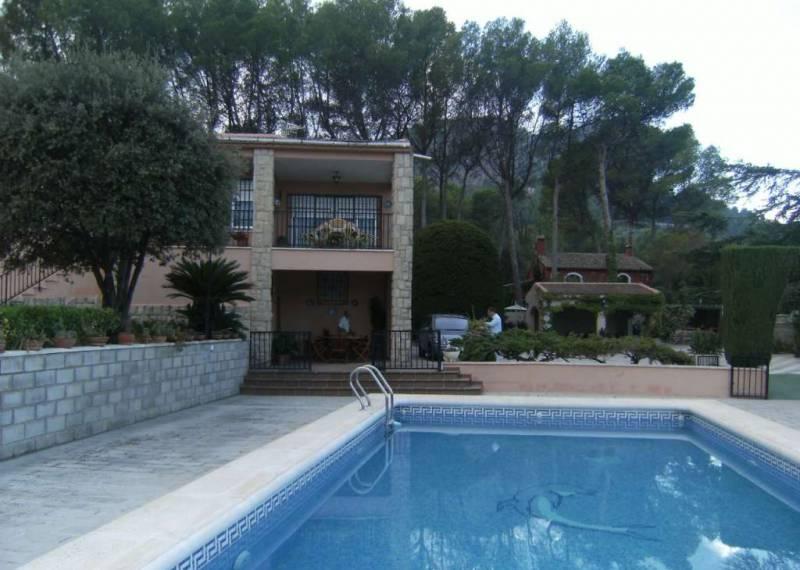 For sale: 4 bedroom house / villa in Muro de Alcoy